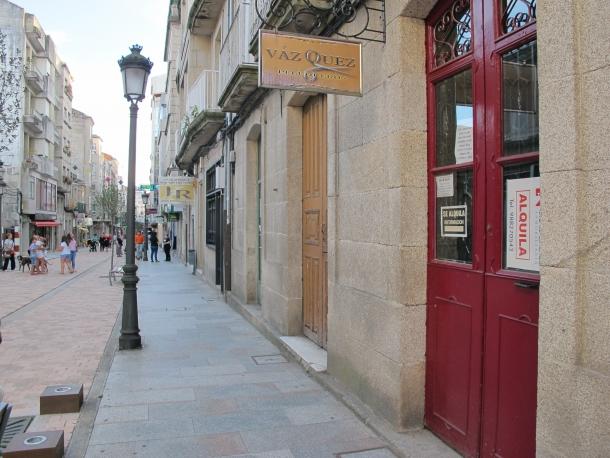Se alquila bajo en centro local comercial o carballi o centro for Pisos alquiler carballino